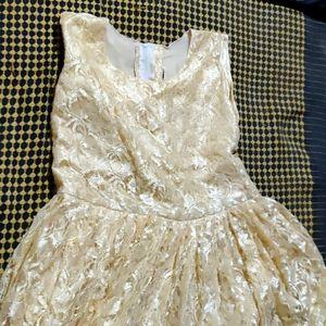 I don't like this dress colour